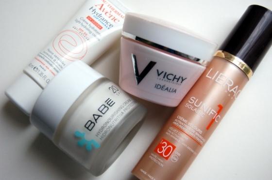 Vasaras sejas krēmi - Vichy Idealia, Babe Hydronourishing, Avene Hydrance Optimale, Lierac Sunific